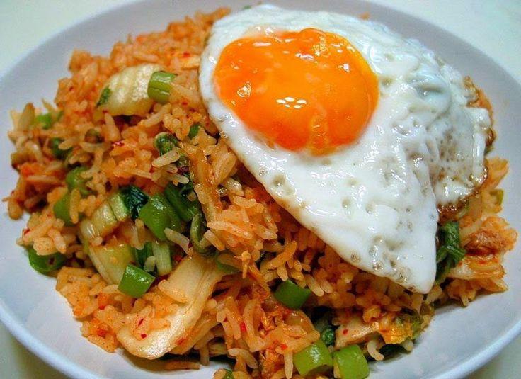 Resep Nasi Goreng Spesial Masakan Indonesia http://dapursaja.blogspot.com/2015/05/resep-nasi-goreng-spesial-masakan.html