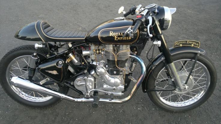 Cafe Racer. Royal Enfield 500 Bullit Classic