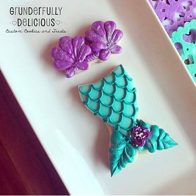 The cutest mermaid outfit  @grunderfullydelicious requested this adorable mermaid bra and then used our mermaid tail cookie cutter as well! Kristin will be teaching a class how to create these cuties! (Both cutters in the shop )
