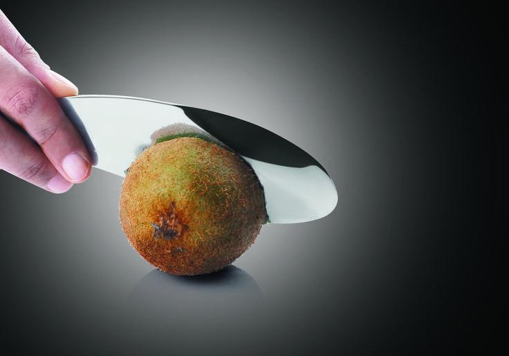 Fruttino #igenietti Per sbucciare la frutta, sgusciare la polpa e tagliare la buccia!
