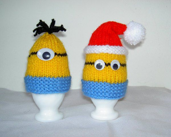 Strickanleitung Eierwärmer Minions, Weihnachts-Minion