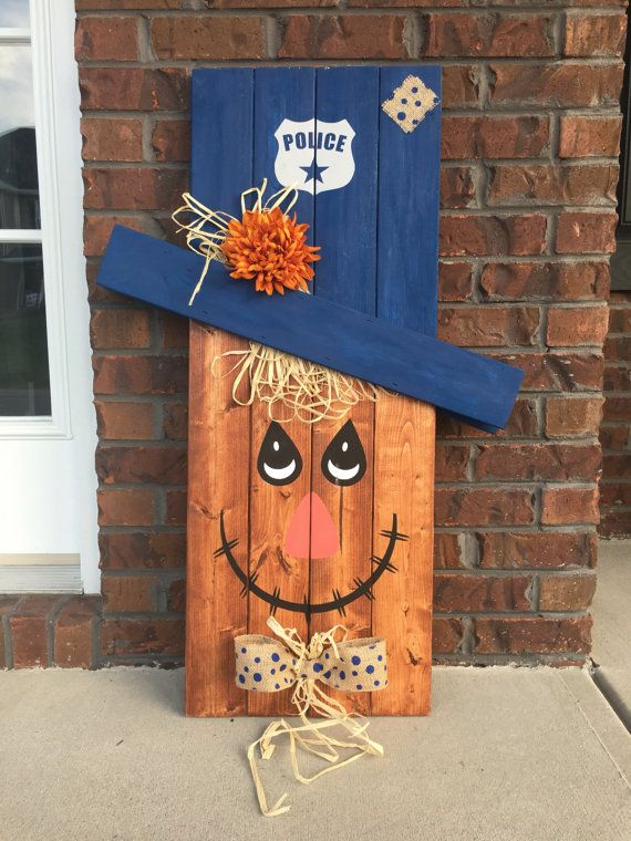 Reversible Scarecrow Snowman, Pallet Snowman, Pallet Scarecrow, Porch Decor, Porch Sign, Seasonal Decoration, Reversible Sign, Police Sign