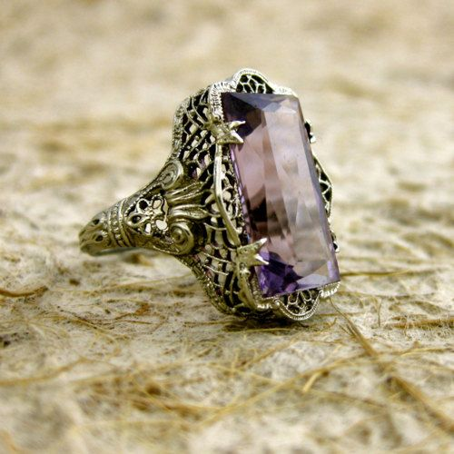 art nouveau vintage ring. exquisite detail  #art novueau #vintage #rings
