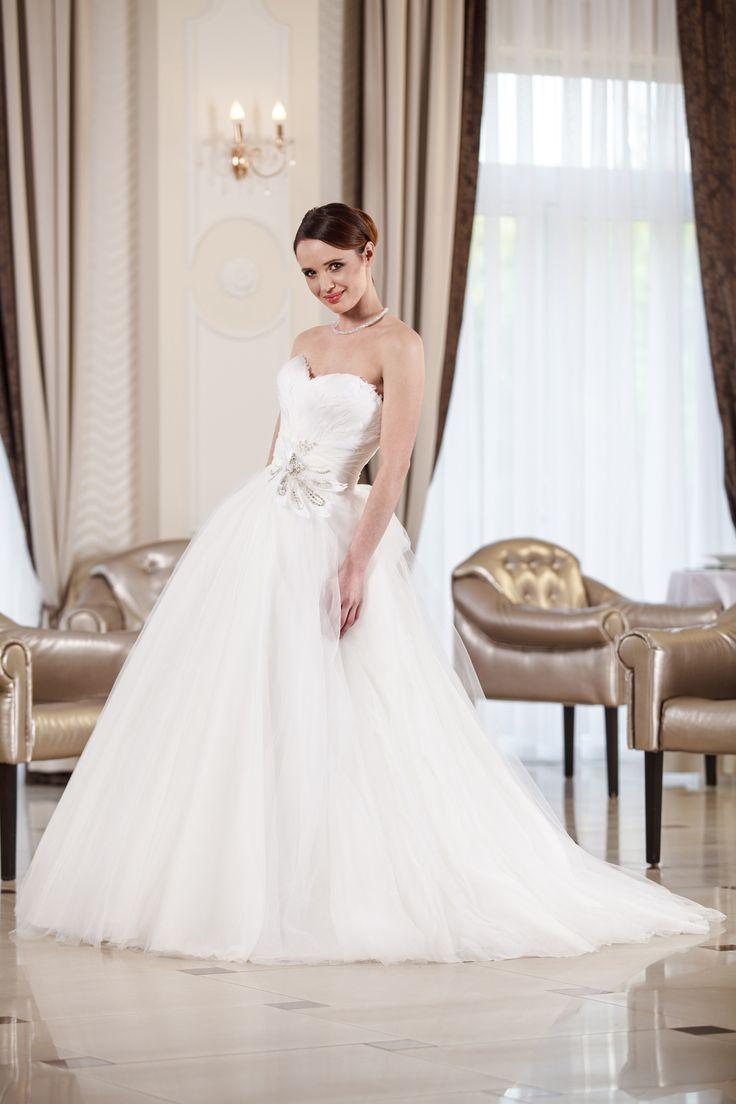 2016 Classic Collection Weddding Dress Maxima Bridal  44.16