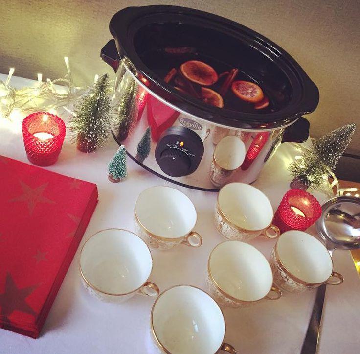Mulled Wine Slow Cooker Recipe http://www.sugarrushedblog.com/2015/12/mulled-wine-recipe-slowcooker.html