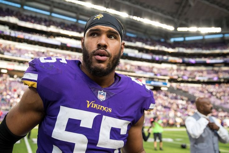 Anthony Barr Grabbing His Nuts After Aaron Rodgers Injury -- Here's footage of the Minnesota Vikings Anthony Barr grabbing his nuts after hurting Green Bay Packers QB Aaron Rodgers. Barr says we're being fooled.