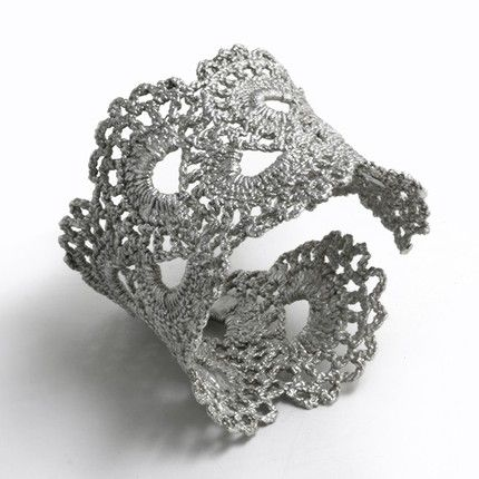 Silver Lace Crochet Cuff - this is awesome!
