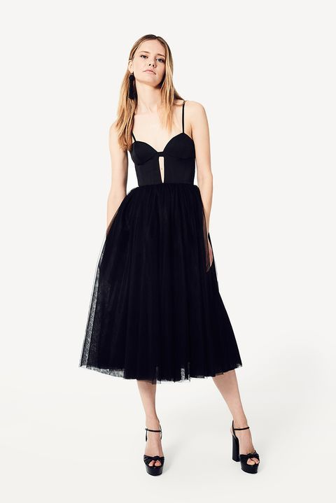 d241b9bff933 What to Wear to a Wedding 2018 - Wedding Fashion Dos and Don ts