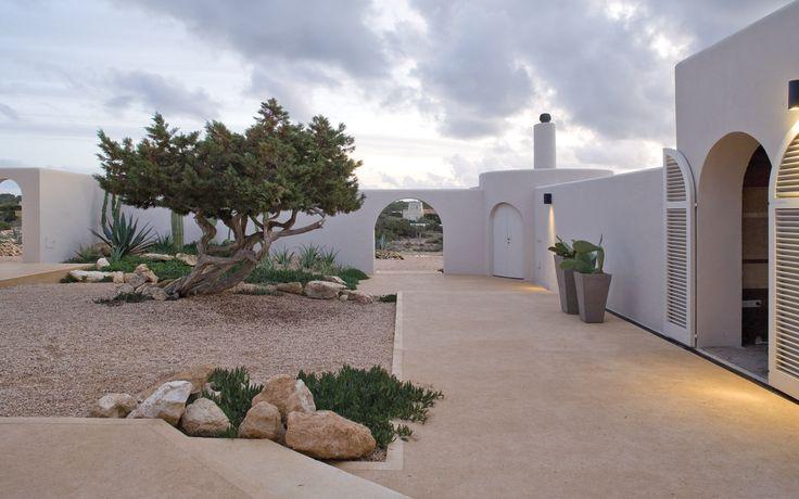 Oltre 25 fantastiche idee su esterni di casa di campagna - Pavimentazione esterna casa di campagna ...