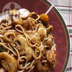 Yakisoba de frango com shitake @ allrecipes.com.br