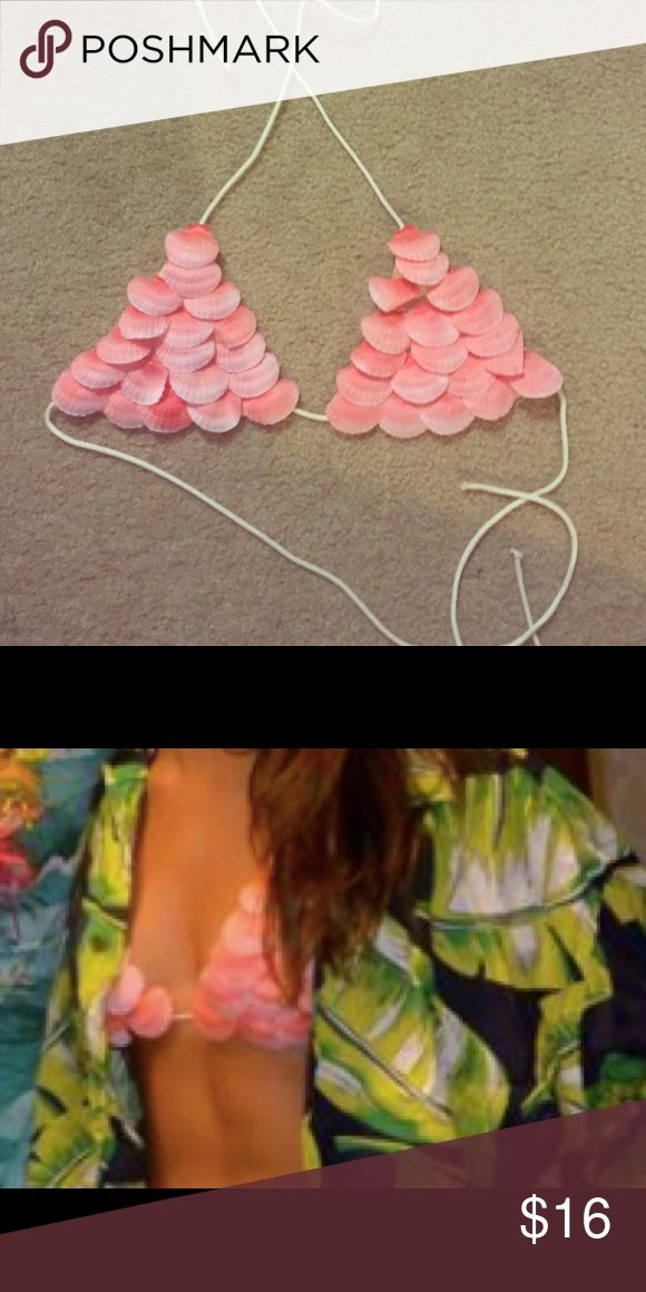 Pink Seashell Mermaid Bra Top Swim Costume festival mermaid bra top. Would fit anywhere from a B- DD cup depending on how you'd like the fit! I'm a C and had plenty of room plus there are adjustable straps :) hippie Tops Crop Tops
