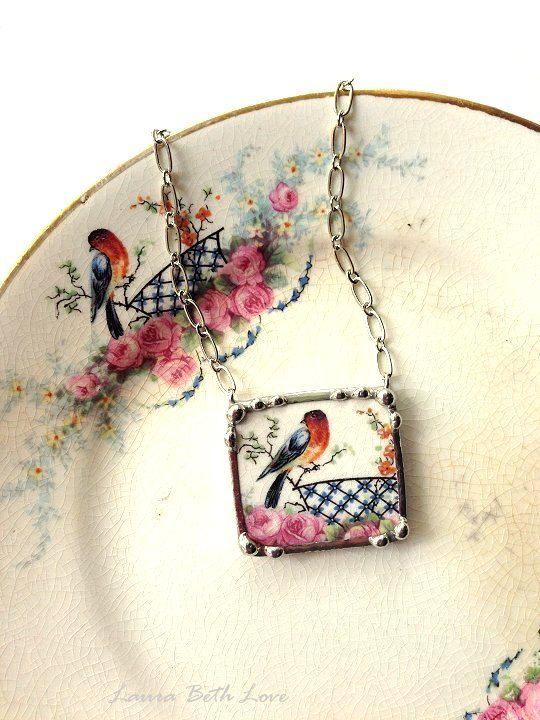 #Colgante hecho con #porcelana #BrokenChina #joyería #bisutería #vintage