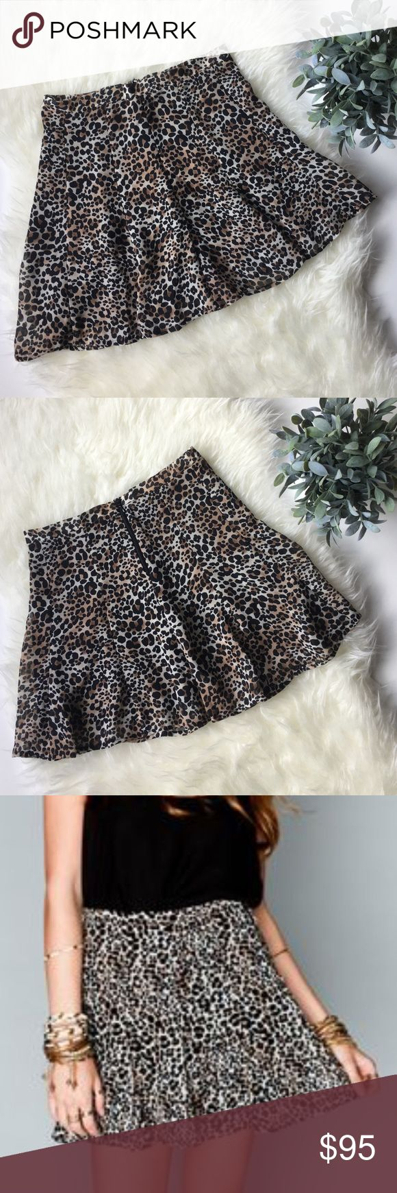Show me your Mumu Skater Mini Cheetah Skirt. Gorgeous SHOW ME YOUR MUMU skater mini skirt cheetah. Brand new with tags. Size small. You can wear this with a beautiful black top and heels!! Show Me Your MuMu Skirts Mini
