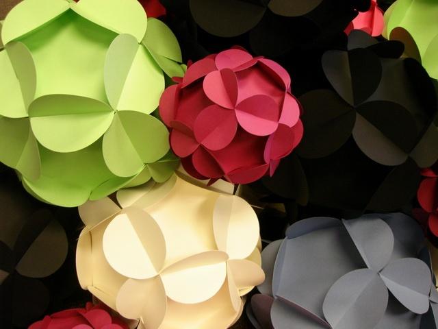 Paper Balls: Crafts Ideas, Decoration, Paper Art, Kindergarten Crafts, Crafts Projects, Paperballs, Paper Balls, Crafty Crafts, Paper Crafts