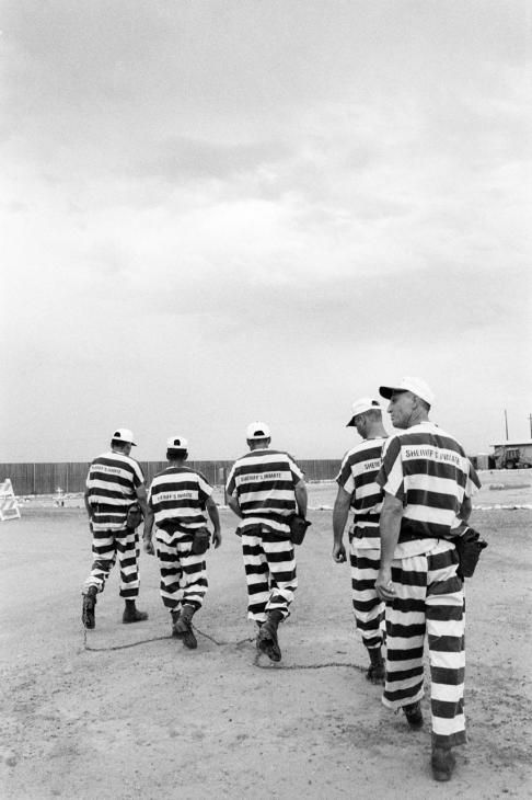 Jane Evelyn Atwood - USA, Phoenix, chain gang men