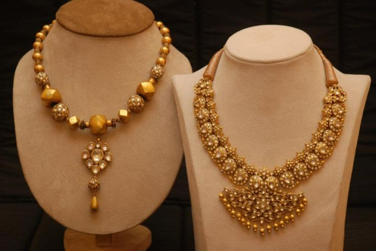 Gold contemporary Mala and Saffire Mango Mala in 22 Carat Gold by Amrapali, Jaipur.  Ph: +919900033636. http://www.facebook.com/SakhiFashions