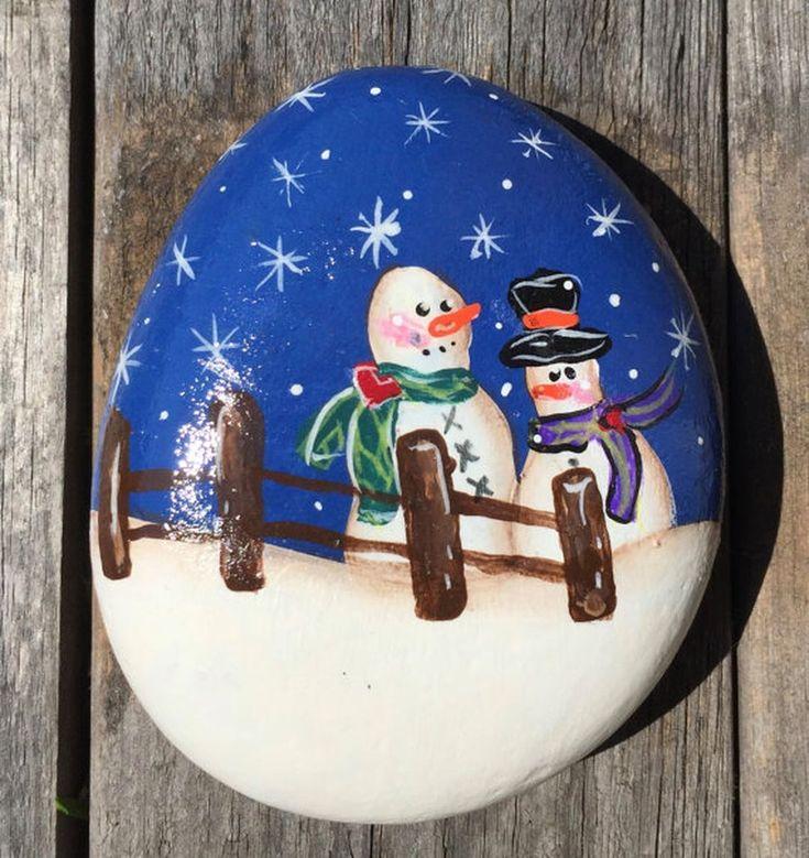 Best DIY Christmas Painting Rocks Design (59)