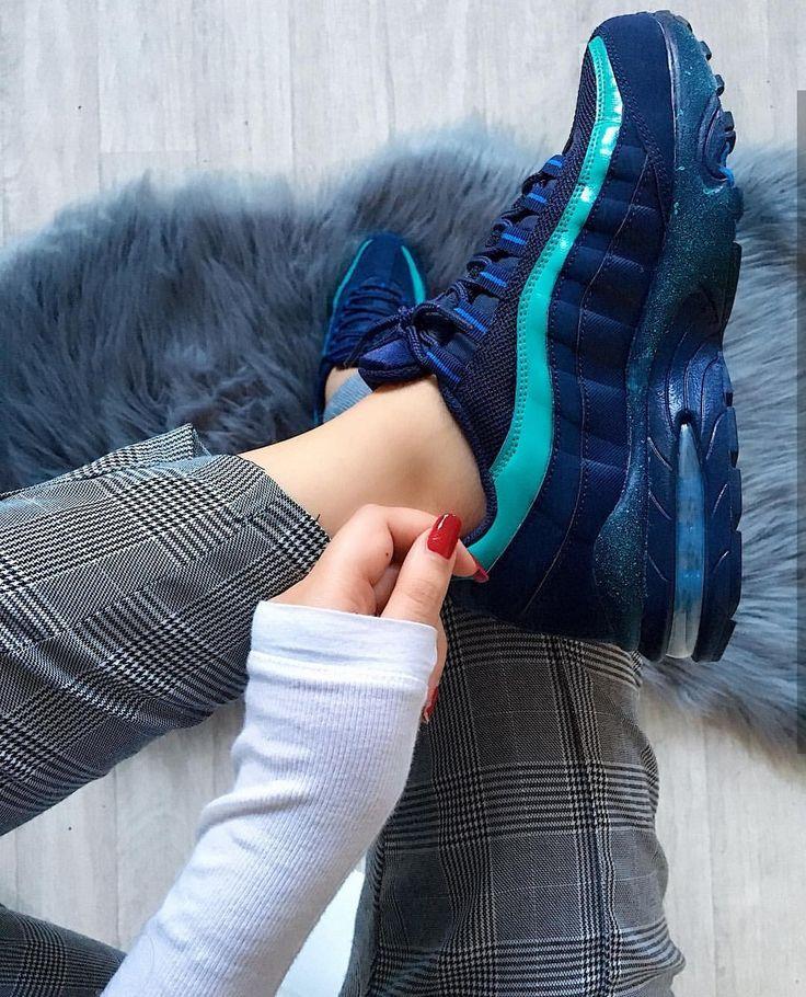 Nike Air Max dunkelblau/hellblau // Foto: nawellleee |Instagram