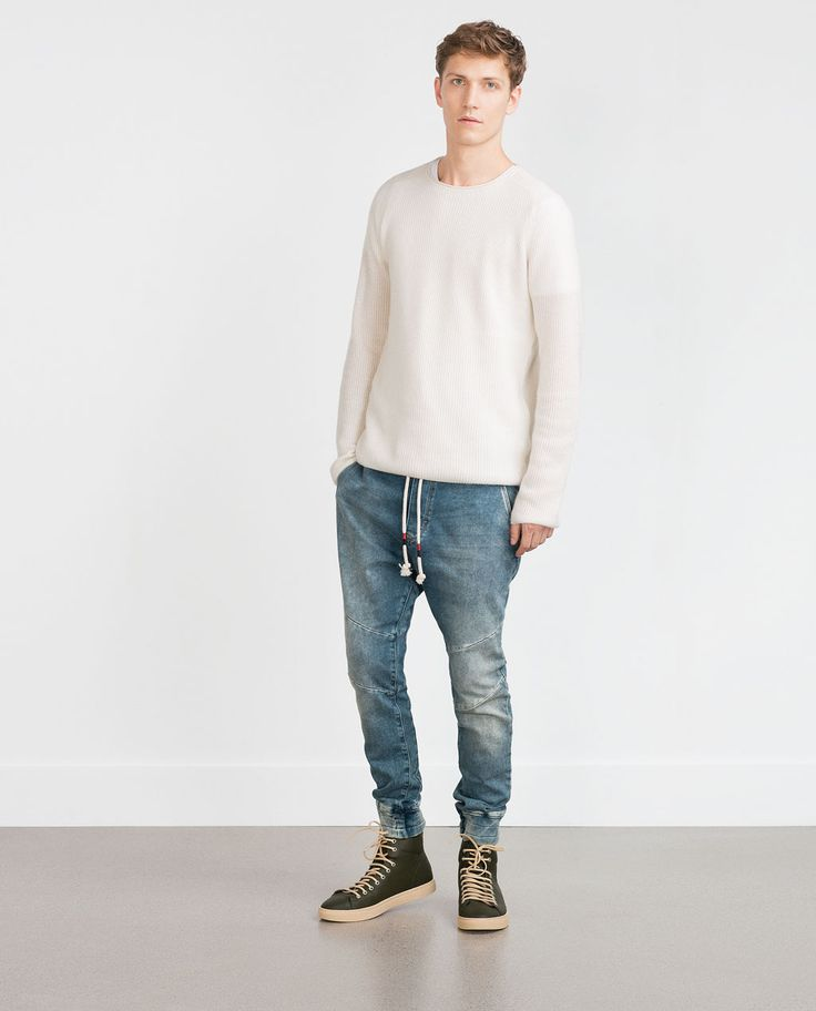 Latest Fall/Winter trends for mens jeans at ZARA online. Find black, white, blue, ripped, distressed, skinny, bootcut, stretch and jogger jeans for men.