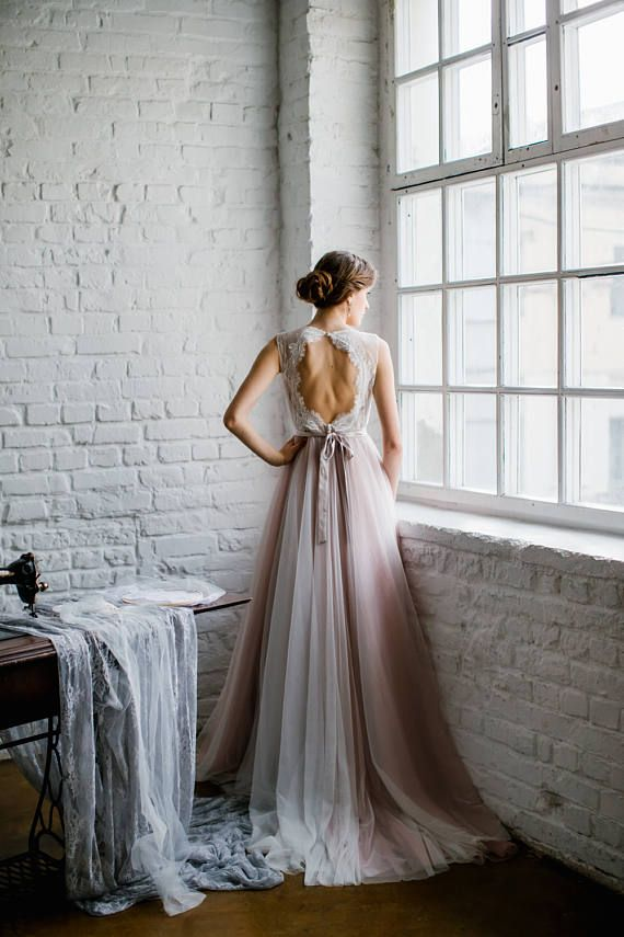 Victoria / Pale rose wedding dress with fashionabl…
