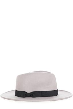 This classic-style fedora hat is constructed from a premium felt fabric and features a grosgrain ribbon trim.Fabric:Main: 100.0% Wool.Wash care:Do Not CleanProduct code: 02278210 £25.00