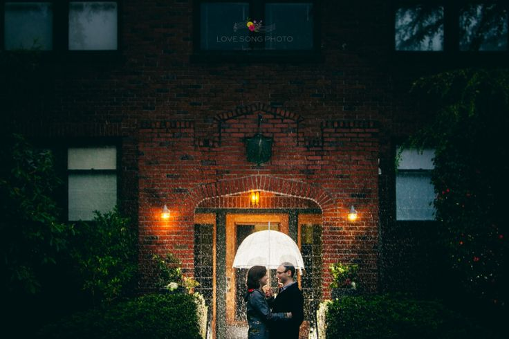 seattle rainy day #engagement session with umbrella by love song photo #rain #photgraphy