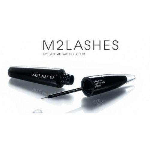 M2 Eyelashes es un suero muy eficaz que promueve el crecimiento de las pestañas. Gracias a un innovador complejo de sustancias, las pestañas crecen más largas y espesas y fuertes! Ven a Conchi Mulas a probarlo!