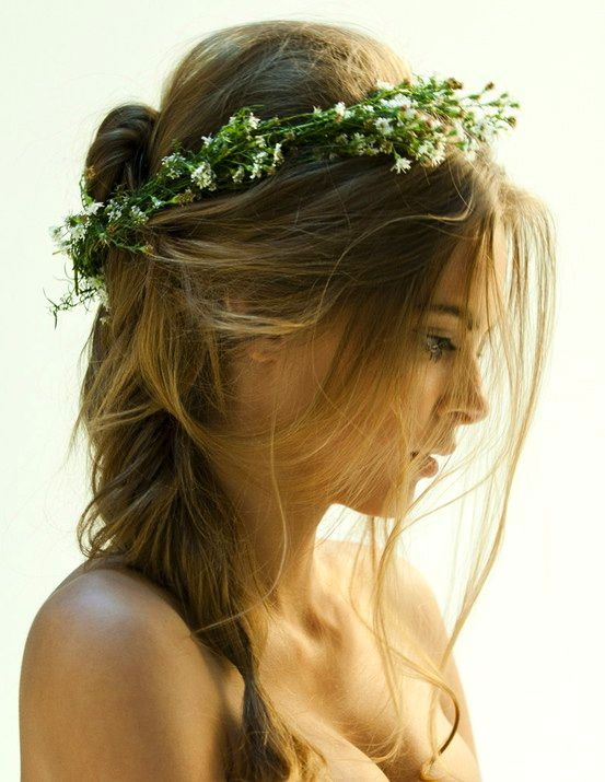 Hair wreath's are coming back into fashion ;-)
