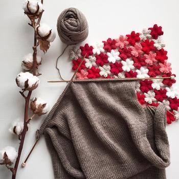 メリヤス編みは表目だけの編地で、1段ごとに交互に編んでいきます。棒針編みの基本の編み方なので、練習しておきましょう。