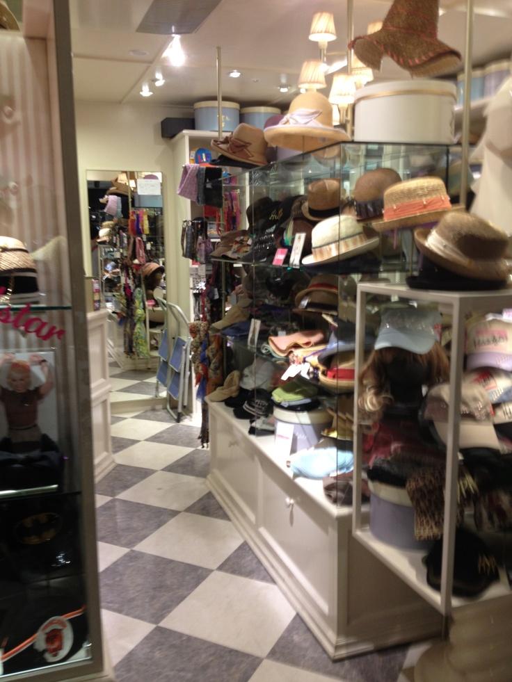 帽子売場2