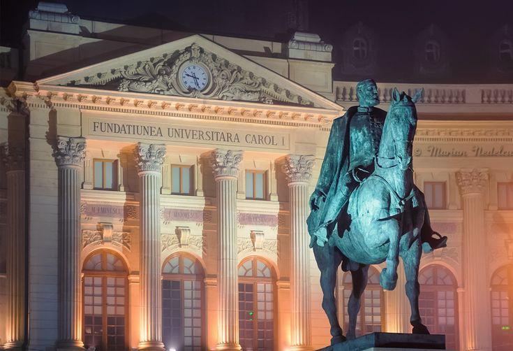Fundatia Universitara Carol I si statuia Carol I © Marian Nedelcu