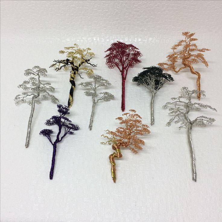 틈틈히 만든 나무들 출퇴근길 지하철에서 만드는데, 받침대 만들 시간은 없네요... #철사공예 #와이어아트 #와이어공예 #WireArt #WireCrafts #ワイヤーアート #針金細工 #はりがねさいく #Wiretree #WireWood #树 #에나멜선 #漆包线 #EnamelWire #エナメルワイヤa