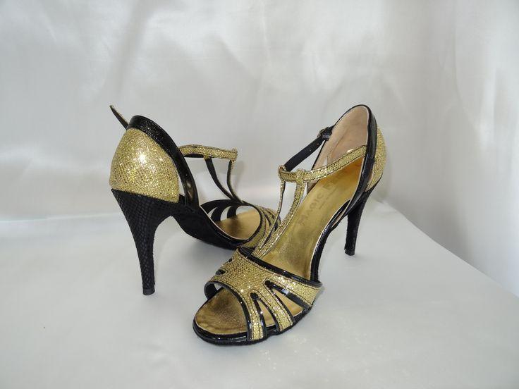 Céline BUSSY chaussure de danse. Modèle Alexia , talon de 11cm aiguille. Salsa , bachata, kizomba