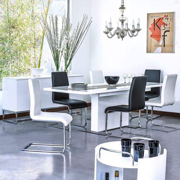 Comedores modernos que puedes adaptar a  la cantidad de invitados que llegan a tu casa el fin de semana. ¡Ideal!