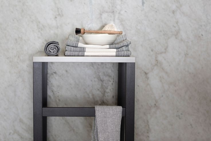 For a spa feeling, EFTERTANKE handwoven hand towels and handcrafted pottery bowl