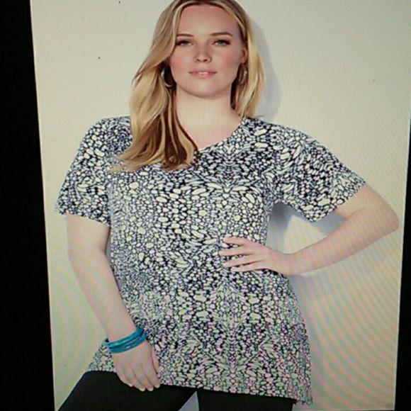Avenue sparkle blouse 3x black white asymmetrical NWT $49 Avenue speckle blouse 3x 22-24 Plus top VIP collection knit top asymmetrical hem short sleeve rayon/spandex machine washable Avenue Tops Blouses