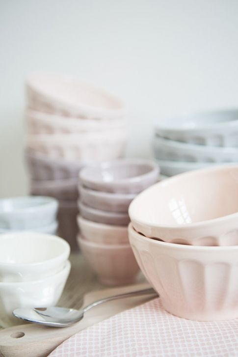 Pretty pastel bowls from Dille & Kamille