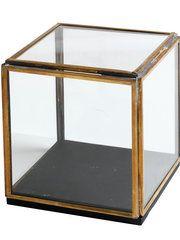 Displaybox - H. Skjalm P