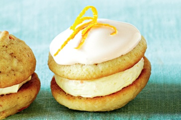 Orange & almond whoopie pies http://www.taste.com.au/recipes/28518/orange+almond+whoopies