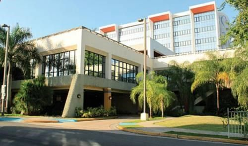 Howard Johnson at Cardiovascular Hospital San Juan San Juan Howard Johnson at Cardiovascular Hospital San Juan is situated in San Juan, 10 km from Fort San Felipe del Morro and 3.2 km from Fort Buchannan. Some units include a seating area where you can relax. The rooms include a private bathroom.