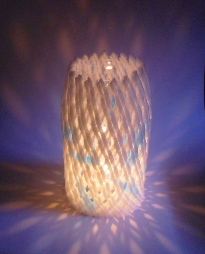 Make a foam netting and plastic bottle lantern crafts - Plastic netting for crafts ...