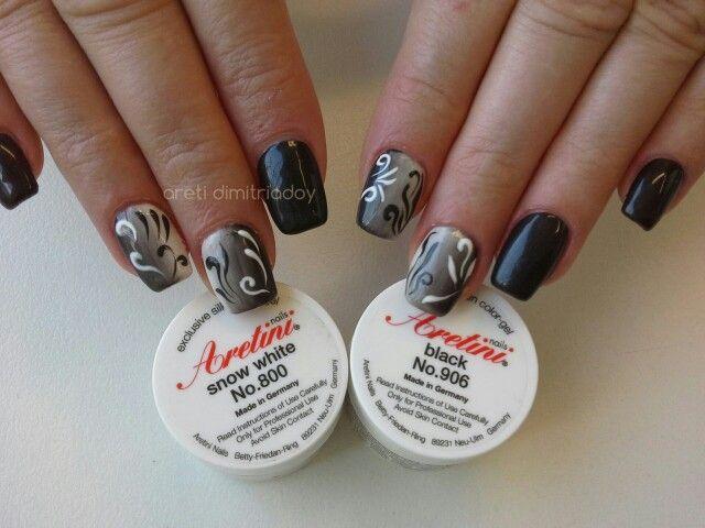 #acrylicnails #nails #essentialcare #portorafti #black&white
