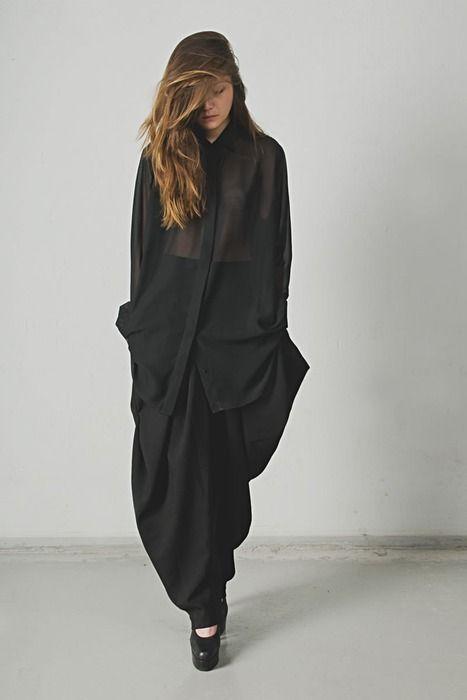 Black on black polished grunge #Black #Fashion #Grunge #PolishedGrunge #Punk #ClassyRock