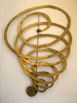 Brooch   Alexander Calder. Brass and steel wire. ca. 1940