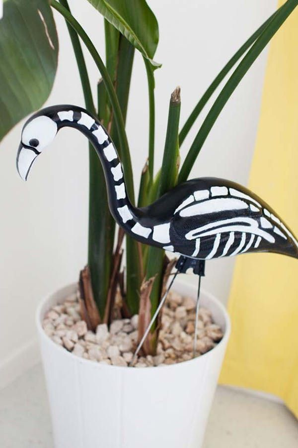 Pumpkin Lanterns! Skeleton Flamingos! Here Are the Top Decor Trends