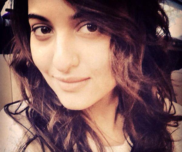 Bollywood Celebs Hot 'Selfies' | Bollywood Selfies |  Bollywood Stars Selfie |  Celebs Selfies http://www.wishesh.com/slideshows/1587-bollywood-celebs-hot-selfies/15580-sonakshi-sinha.html