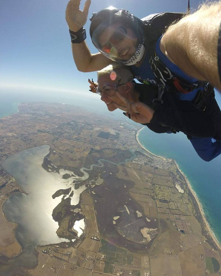 Just changing my perspective from 14000ft  #Promaja #OdeBubrezi #PametUGlavu #Skydiving #Melbourne #GreatOceanRoad by ginabalic