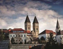 Fedezze fel Veszprém szépségeit kultúrcsomagunkkal. Részletekért látogasson el weboldalunkra.  http://oliva.hu/