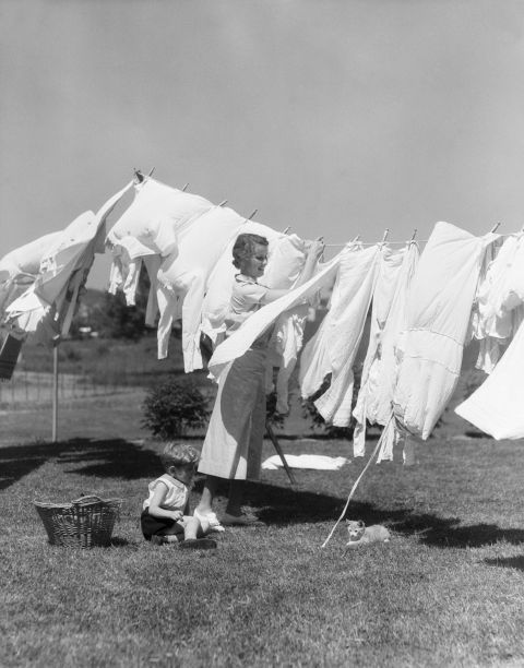 For yellowed white laundry or linens, make a natural lemon whitener. Squeeze the juice of one lemon into a gallon of hot water in a laundry bucket. Let the item soak for one to two hours. Run through a rinse cycle or rinse by hand then dry out in the sun.