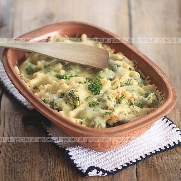 Mamy dla was przepis na pyszne danie z warzyw. Brokuły w mlecznym sosie. Konieczne składniki: brokuły, mleko, przyprawy.